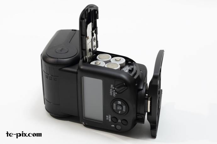 430EX III-RTに電池をセット