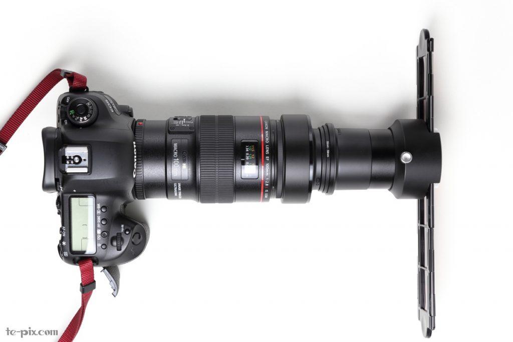 ES-2とキヤノンの100マクロをアダプターを介して接続した写真