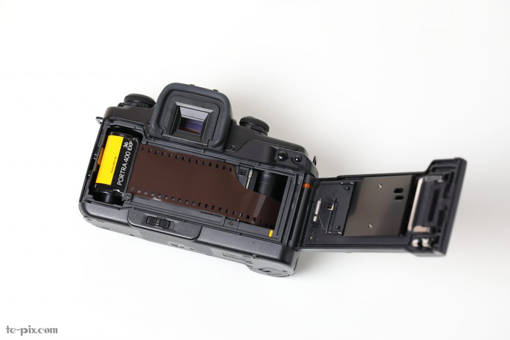 EOS 55のフィルム装填方法