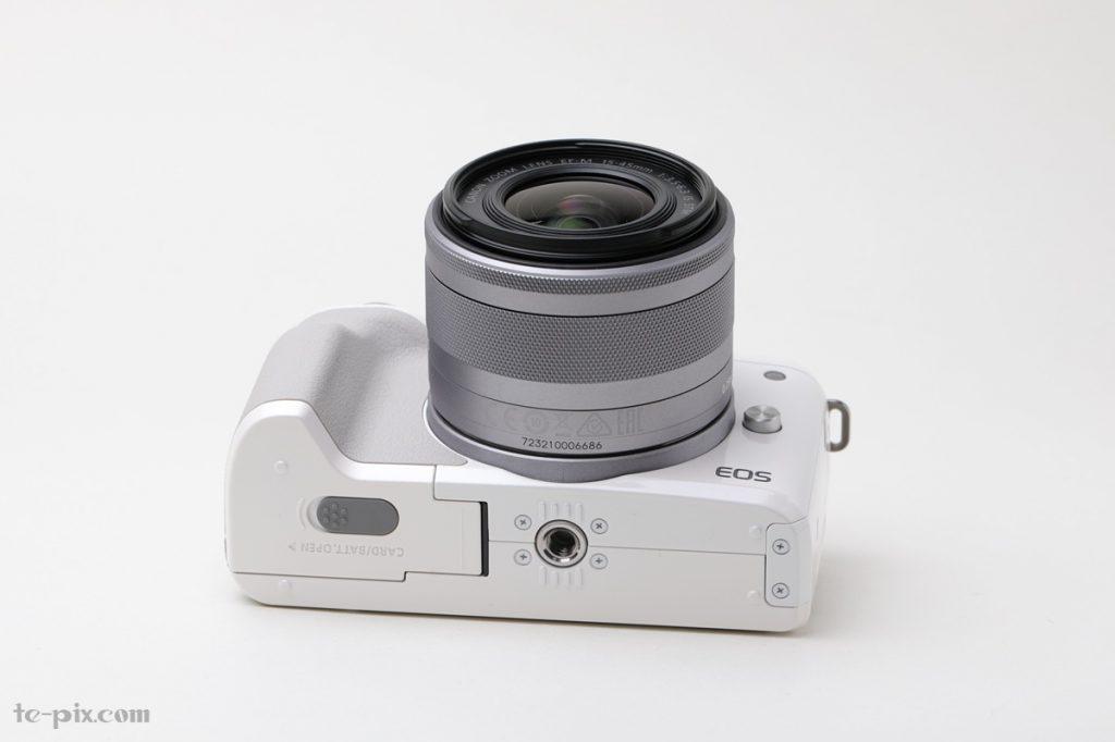 Canon EOS Kiss Mの下部